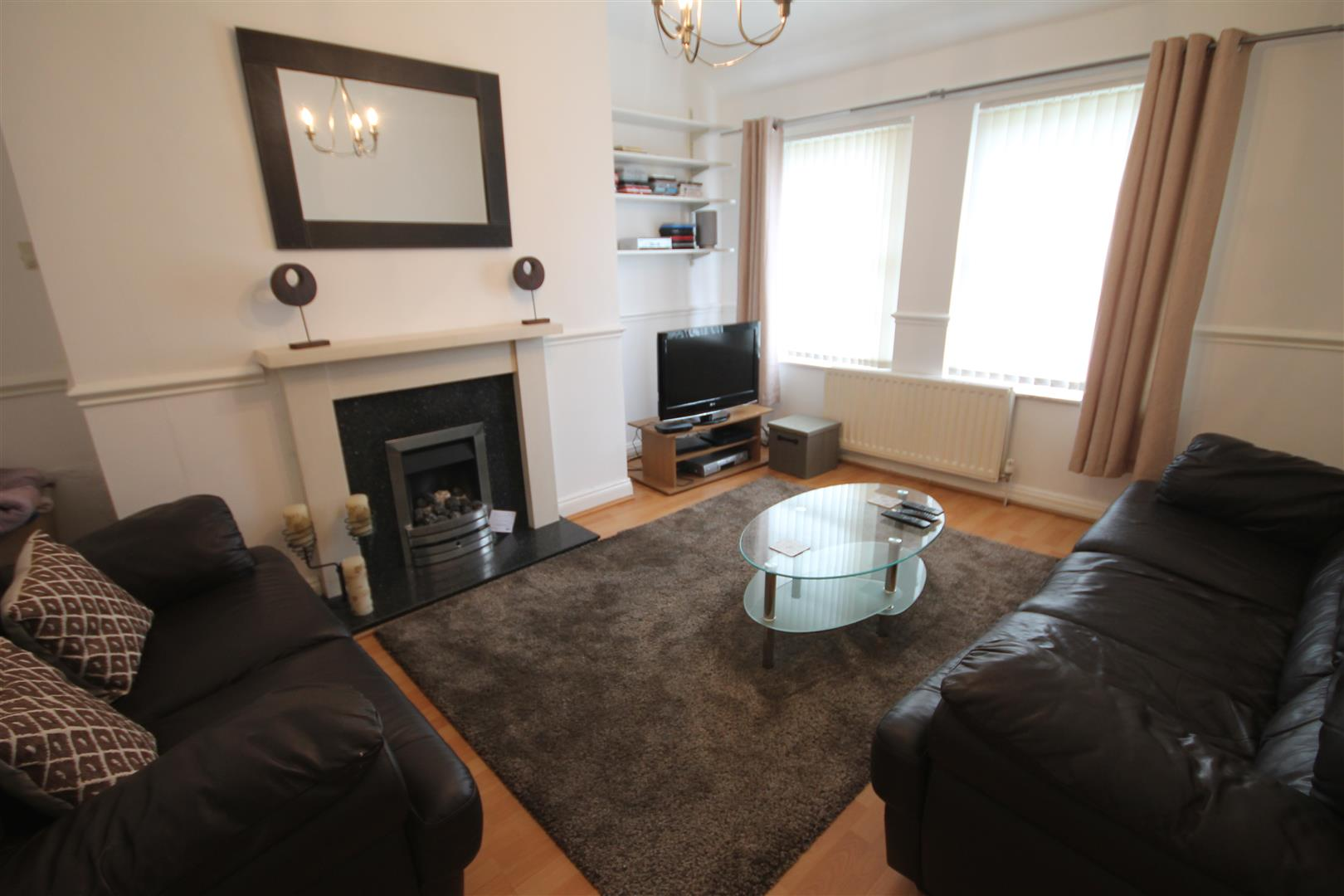 Holystone Crescent Newcastle Upon Tyne, 2 Bedrooms  Flat ,For Sale